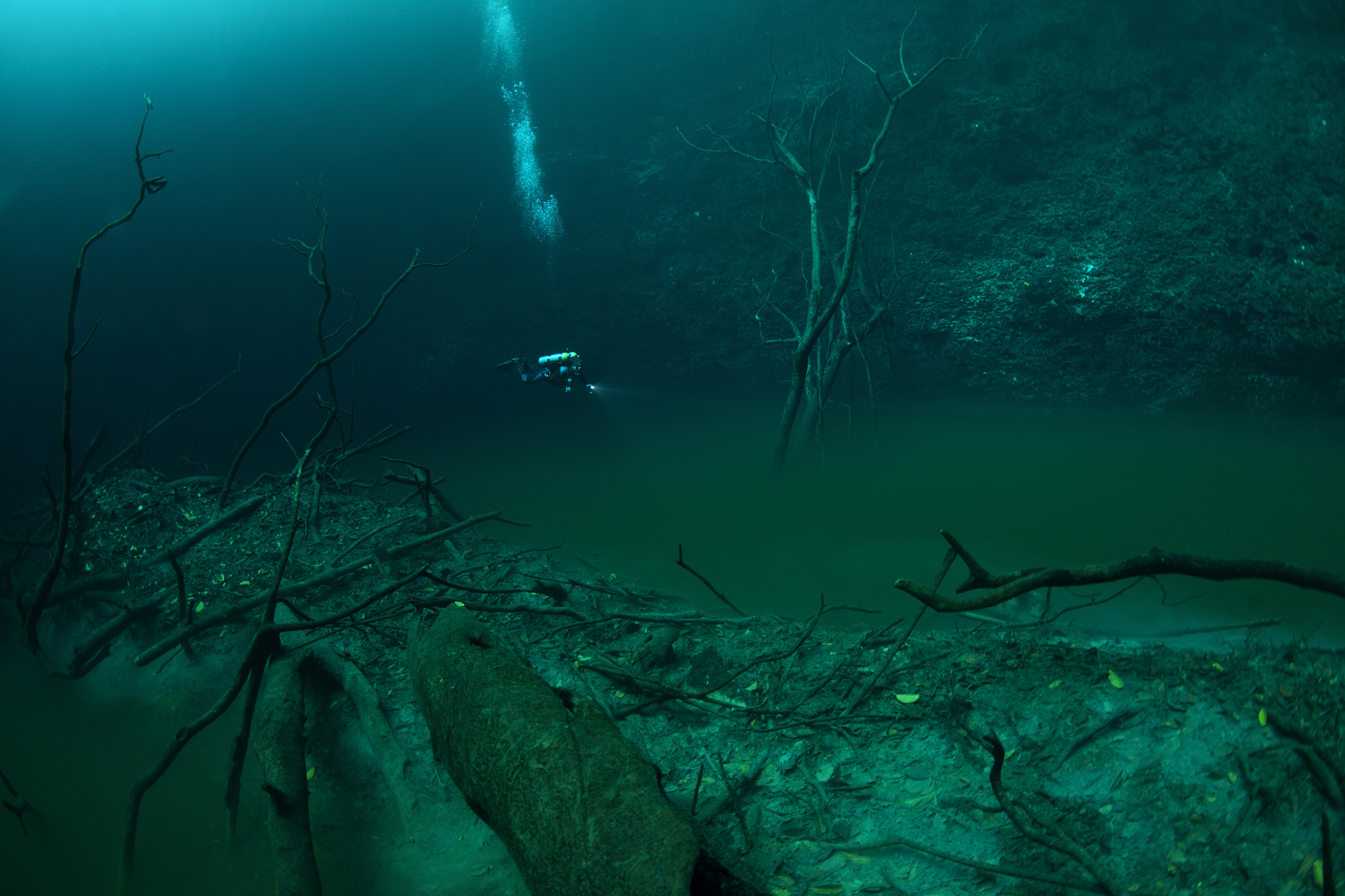Underwater River : pic... Underwater River Bed