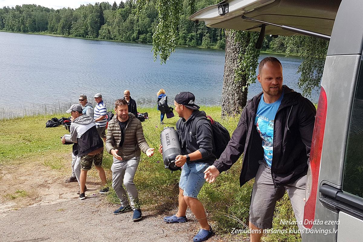 Niršana dziļākajā Latvijas ezerā Drīdzis.