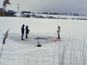 Niršana ziemā zem ledus ar niršanas klubu DAIVINGS